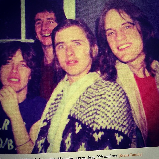 Happy 60th, drum demon Phil Rudd! Here flanked by Malcolm Young, Bon Scott and Mark Evans, photo from Evans' DIRTY DEEDS book. Nice sweater! www.dirtydeedsbook.com #acdc #philrudd #bonscott #malcolmyoung #markevans #dirtydeeds